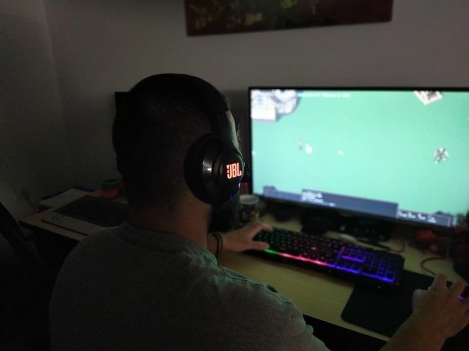 JBL Quantum 400 Gaming Headset Review
